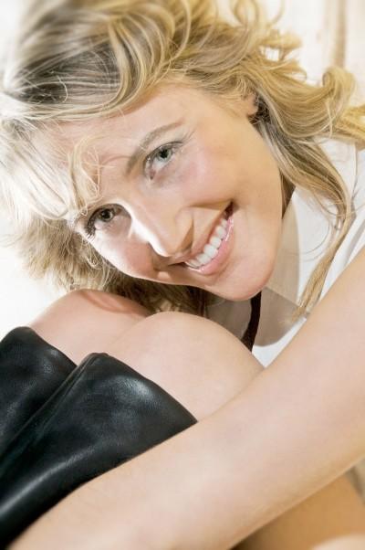 Fotoritratto di una ragazza sorridente
