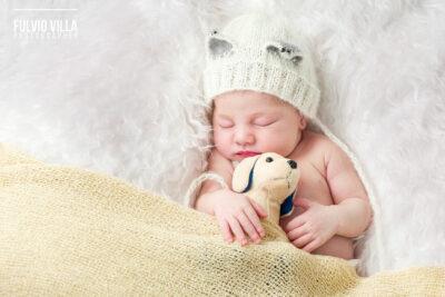 Fotografo newborn Saronno